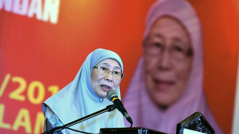 Gov't yet to decide on quantum of compensation for Sungai Kim Kim pollution victims: Wan Azizah
