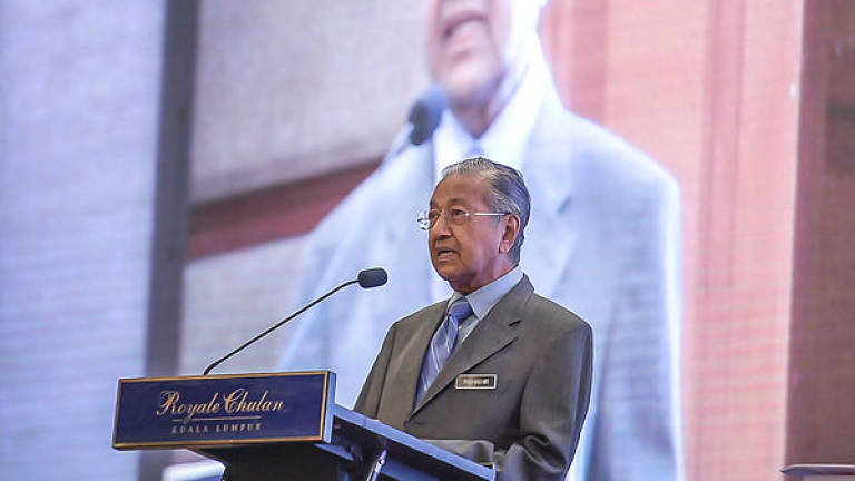 Govt aid continues for local manufacturers: Mahathir