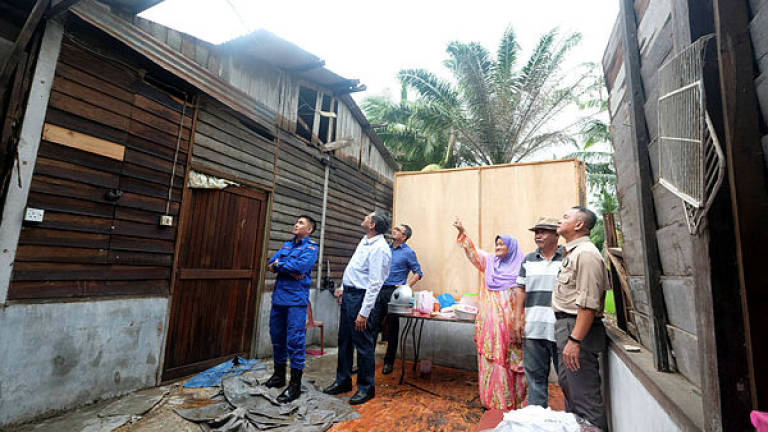 Federal, S'gor govt to provide allocations to repair houses damaged in storm