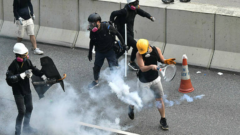https://www.thesundaily.my/binrepository/768x513/0c41/768d432/none/11808/YCUQ/hong-kong-china-politics-unrest-104625_585518_20190824190217.jpg