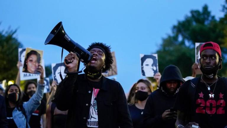 Two U.S police shot as protests erupt over Beronna Taylor case