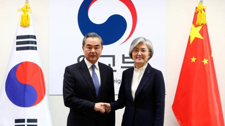 Senior China diplomat visits South Korea to re-set ties