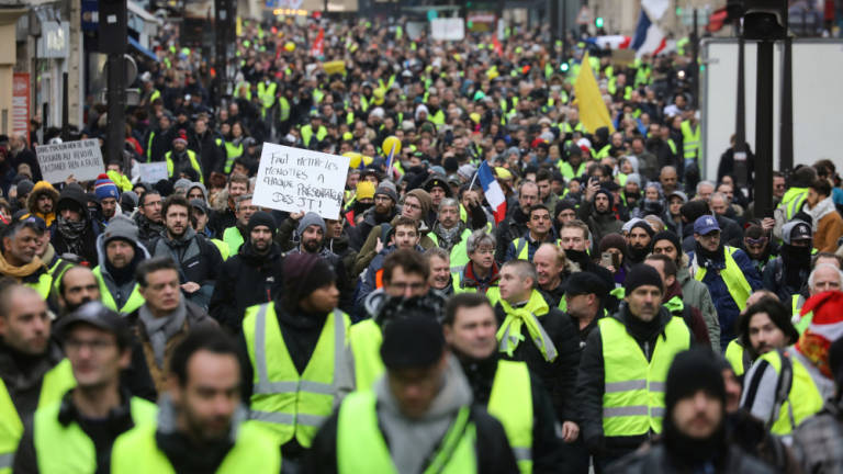 France's 'yellow vests' mobilise for fresh round of protests