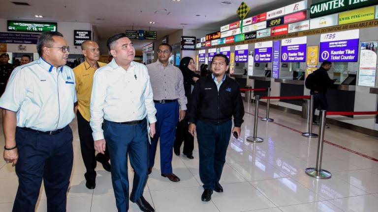 No ceiling price for domestic airfare tickets during festive seasons: Loke