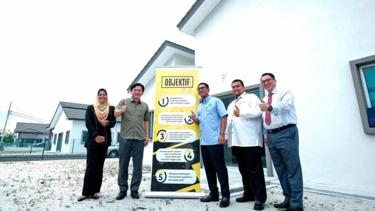 Stop discussing 999-year of land ownership issue through media: MB Perak