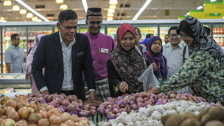 Traders abiding by ceiling prices, some selling cheaper: Saifuddin