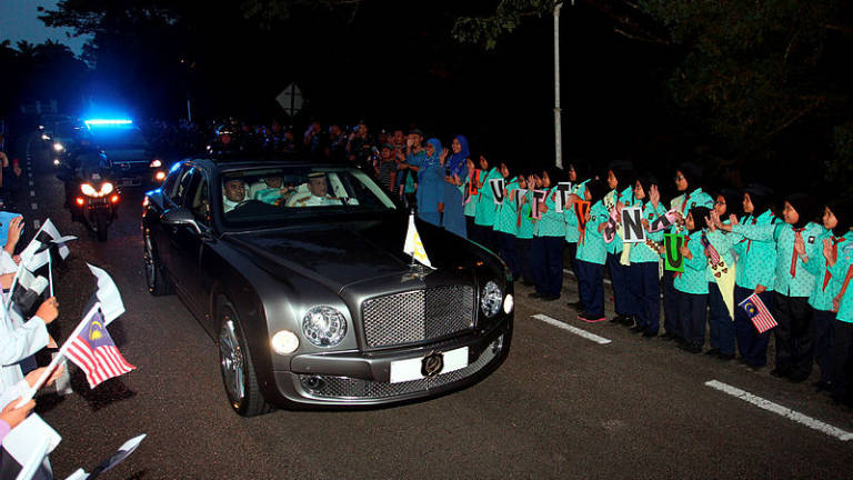 Pahang folk bid bon voyage to their majesties with pride, sadness
