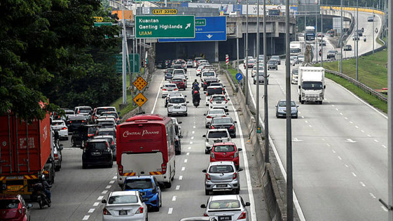 'Improve public transport before talking about reducing parking spaces'