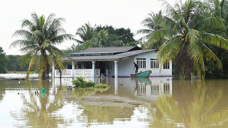 Flood hits three districts in Sabah