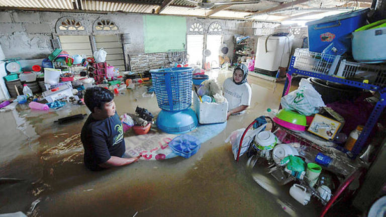 Floods: Kg La family escapes in the nick of time