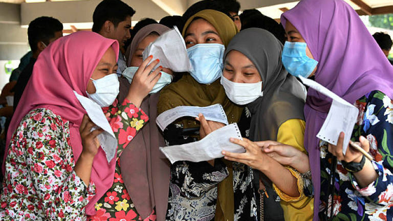 Students in Pasir Gudang can check SPM results via SMS, online