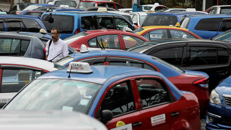 Perak e-hailing drivers urge govt to standardise price of PSV licence