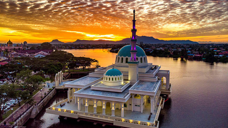 Floating mosque: Latest attraction in Kuching