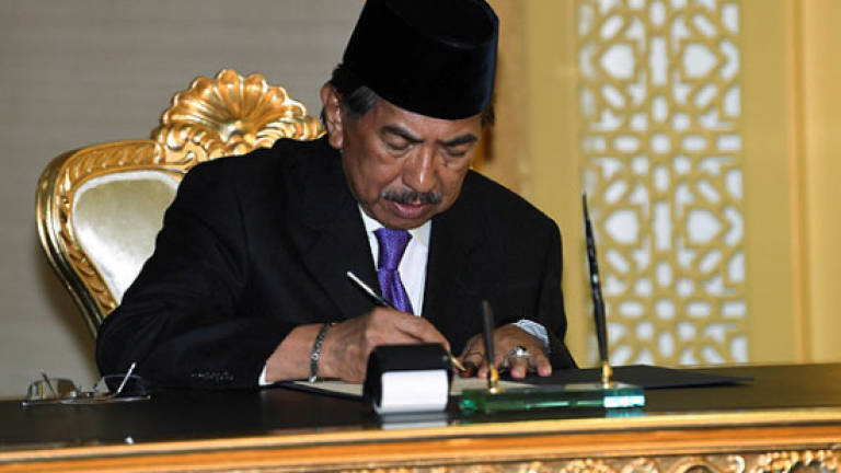 Musa Aman claims he is rightful chief minister