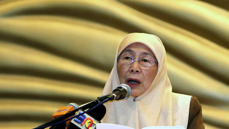 Wan Azizah begins five-day working visit to Paris