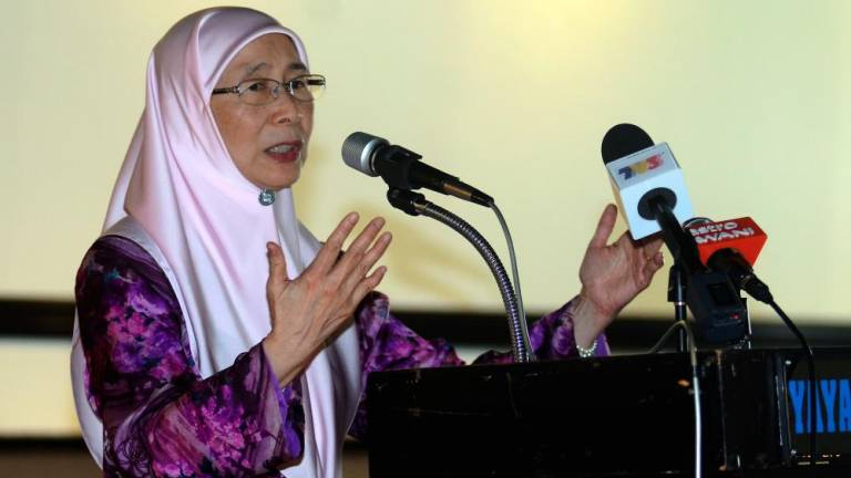 No discussions to shut down vernacular schools: DPM