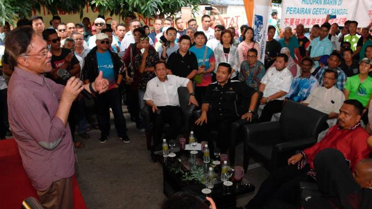 Discussions will continue between fishermen and Penang govt: Anwar