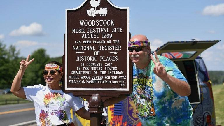 Aging hippies flash back to Woodstock site, fifty years on