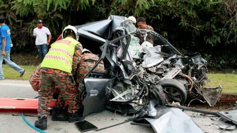 Three Myanmar family members killed in two-car collision in Dungun