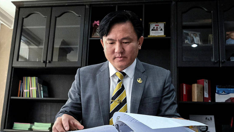 Perak Exco accused of rape to go on leave (Updated)