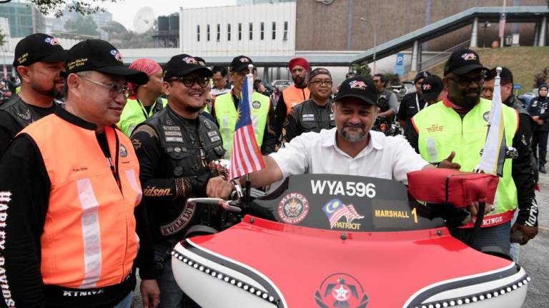 Gobind flags off big bikers on unity ride
