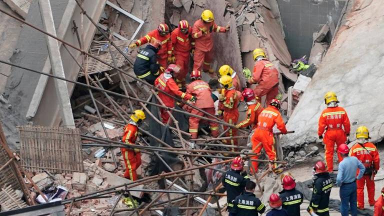 Death toll from Shanghai building collapse jumps to seven (Updated)