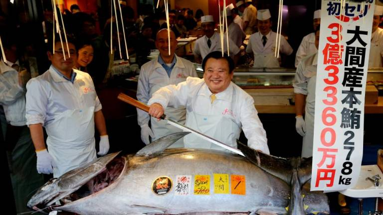 Tuna auctioned at record US$3 million at Tokyo's new fish market (Video)