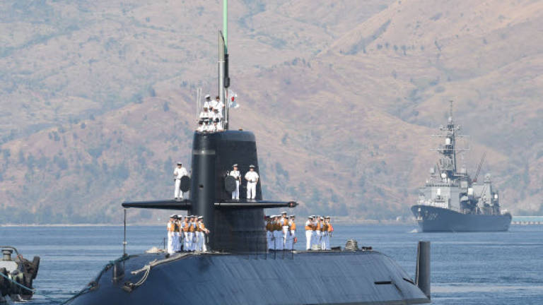 Japan sub makes first call to Philippines in 15 years amid