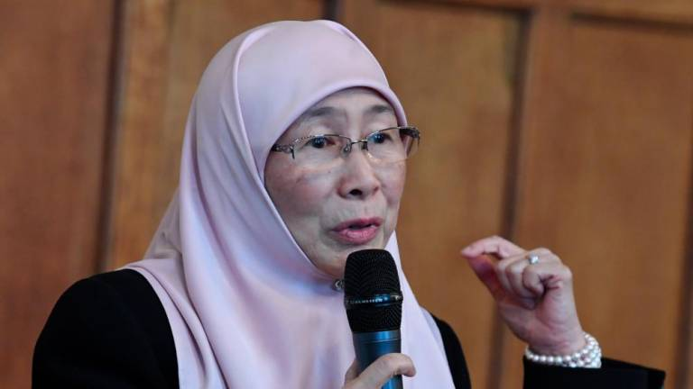 Muslim women must come forward, says Dr Wan Azizah