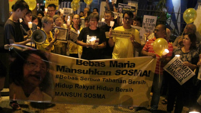 Tun M attends candlelight vigil for Maria Chin