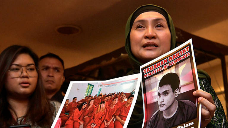 Families of M'sians detained in Cambodia appeal to govt to bring them home