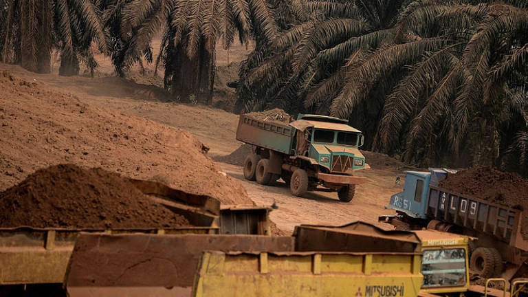 Settlers involved in bauxite mining still in a quandary