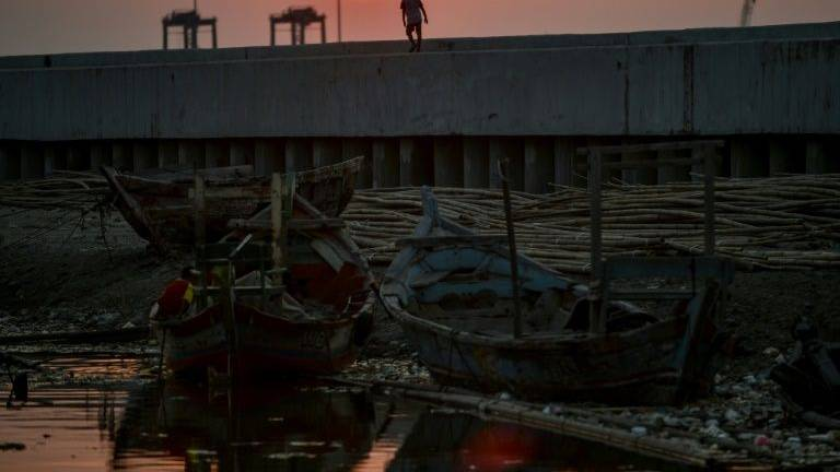 Sinking city: Indonesia's capital on brink of disaster