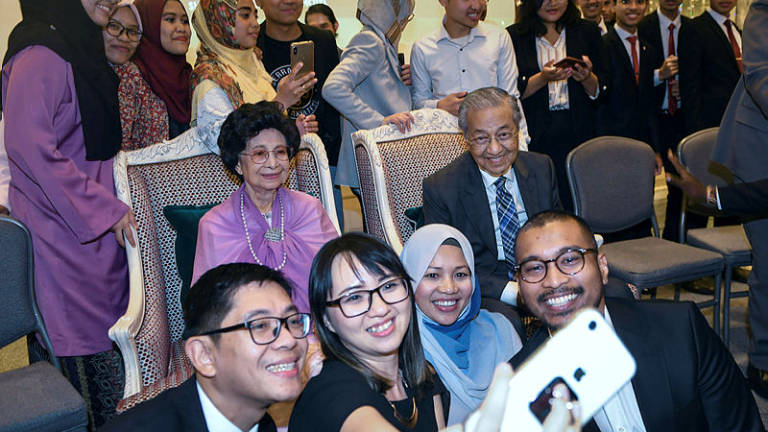Mahathir invites Turkish companies to invest in three core sectors