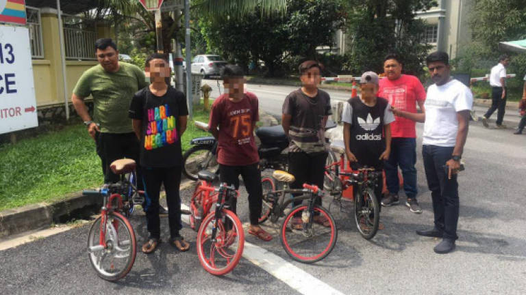 Police seize 4 bikes, quiz 4 teens in Mat Lajak ops