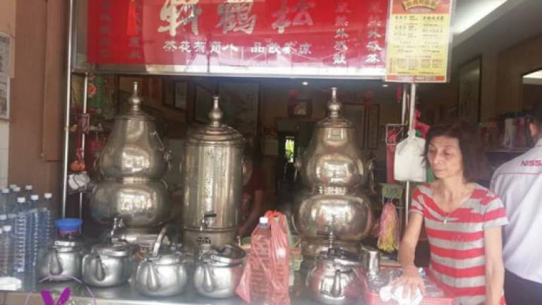 Popular herbal drink shop in Lebuh Kimberly closes after 64 years