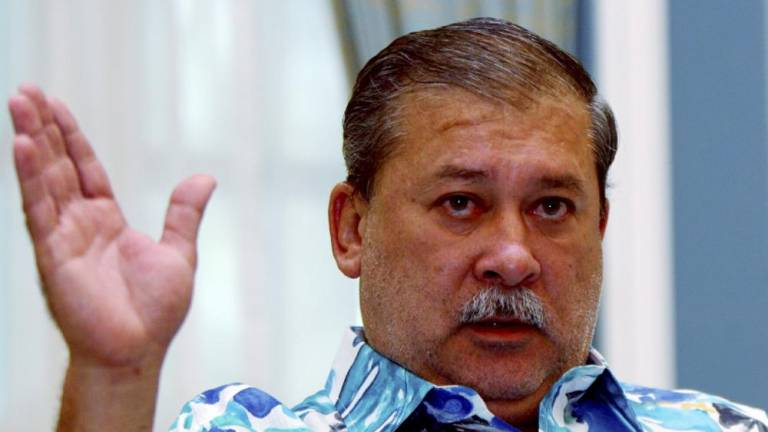 Johor Sultan orders probe into pollution of Benut, Machap rivers