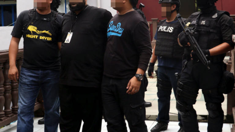 Police foil double attack on SEA Games and National Day with arrests of terrorists, Abu Sayyaf