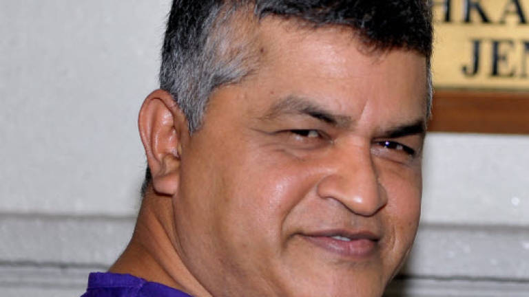 Zunar released on police bail