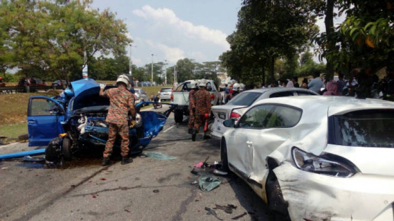 Three injured in seven car pile-up