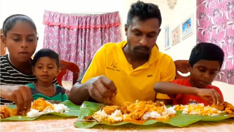 (Video) YouTuber Pavithra supports family by sharing home-cooked Indian recipes online