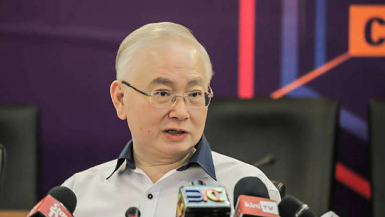 No need to renew expired driving license: Wee Ka Siong