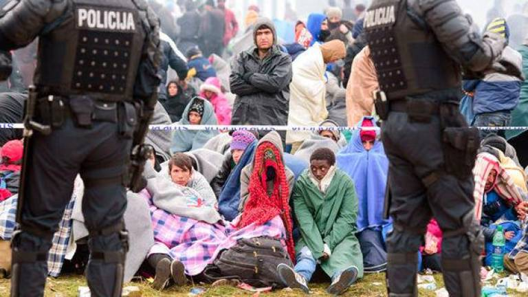 Slovenian police detain over 100 migrants near border