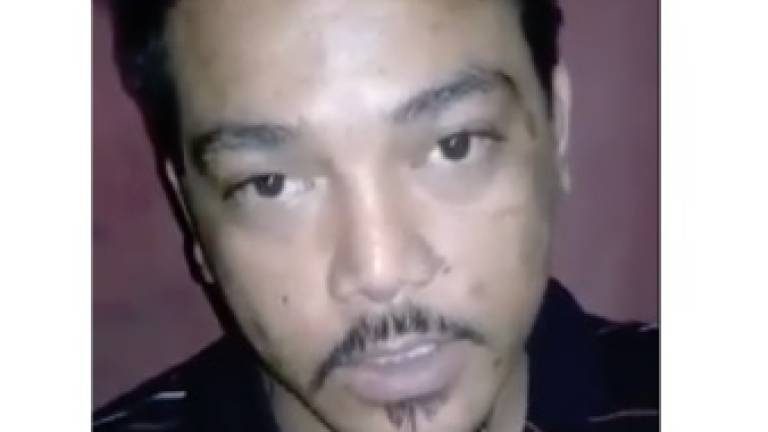 (Video) Man who insulted beer promoter apologises (Updated)