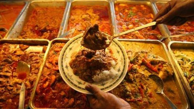 Dine-in at eateries allowed in Selangor beginning tomorrow