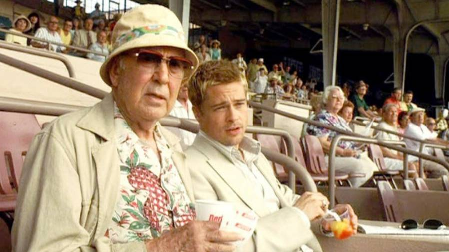 Carl Reiner and Brad Pitt in a scene from Ocean's 11