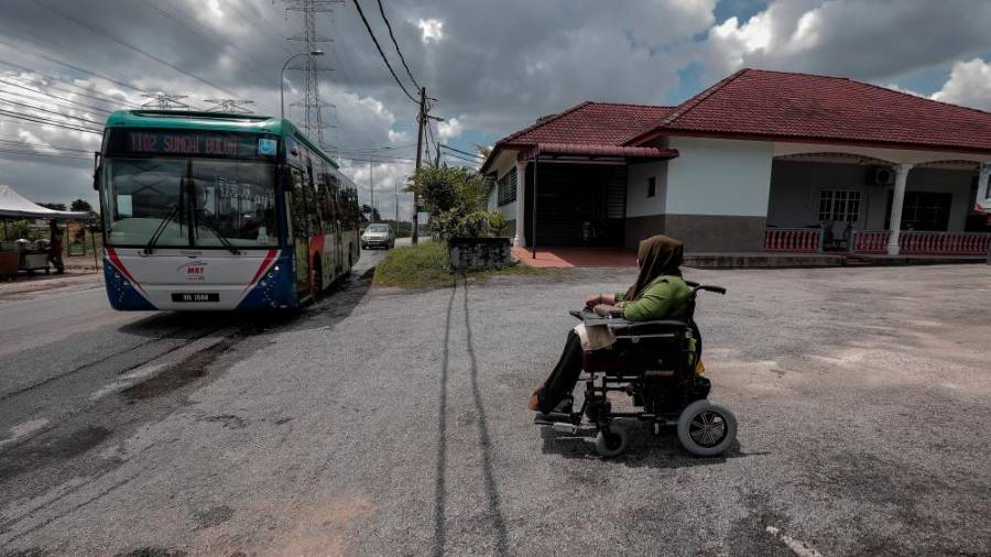 Nur Fazira chooses as to take public transportation as it is far more wheelchair accessable than a car.