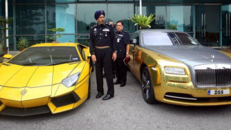 Gold Rolls Royce >> Cops Seize Gold Rolls Royce Lamborghini