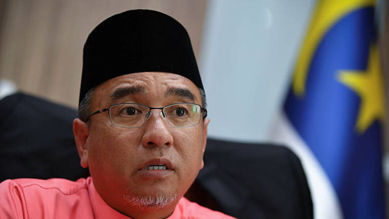 Civil servants in Malacca must remain calm, carry on with duties: CM