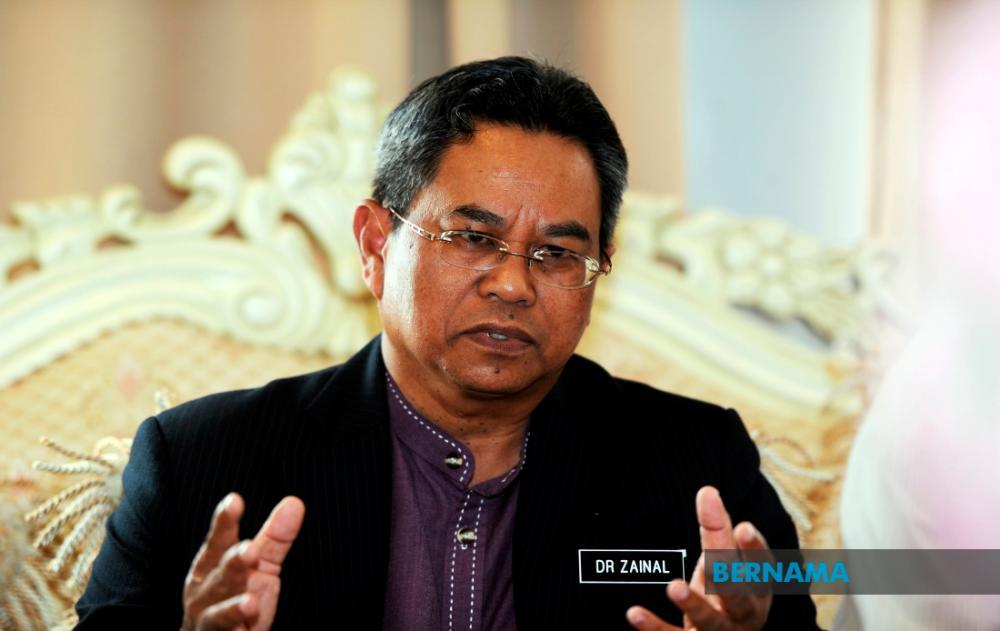 Datuk Dr Zainal Ariffin Omar. — Bernama